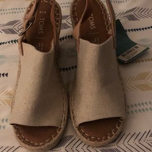 Toms Monica wedges size 7.5